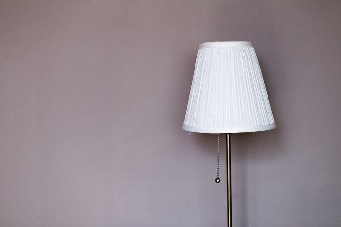 Lampade da terra moderne design: i modelli più belli e consigliati