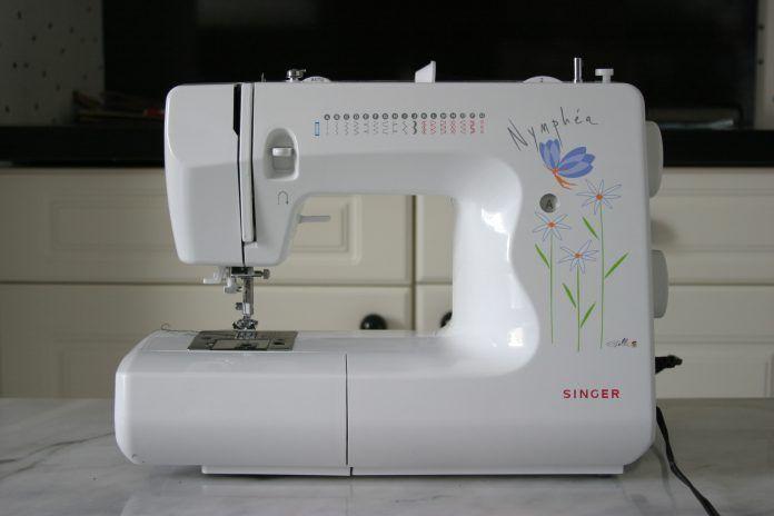 Macchina-per-cucire-696x464