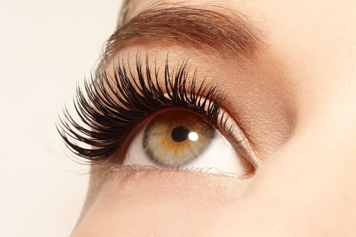 Black-Eyelashes-ciglia-finte-