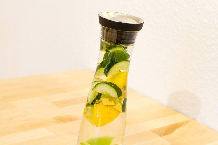 semplice bevanda disintossicante per dimagrire