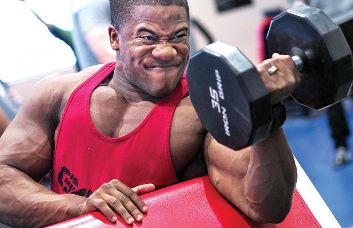 aaumentare massa muscolare