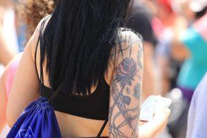 tatuaggio rosa piccola
